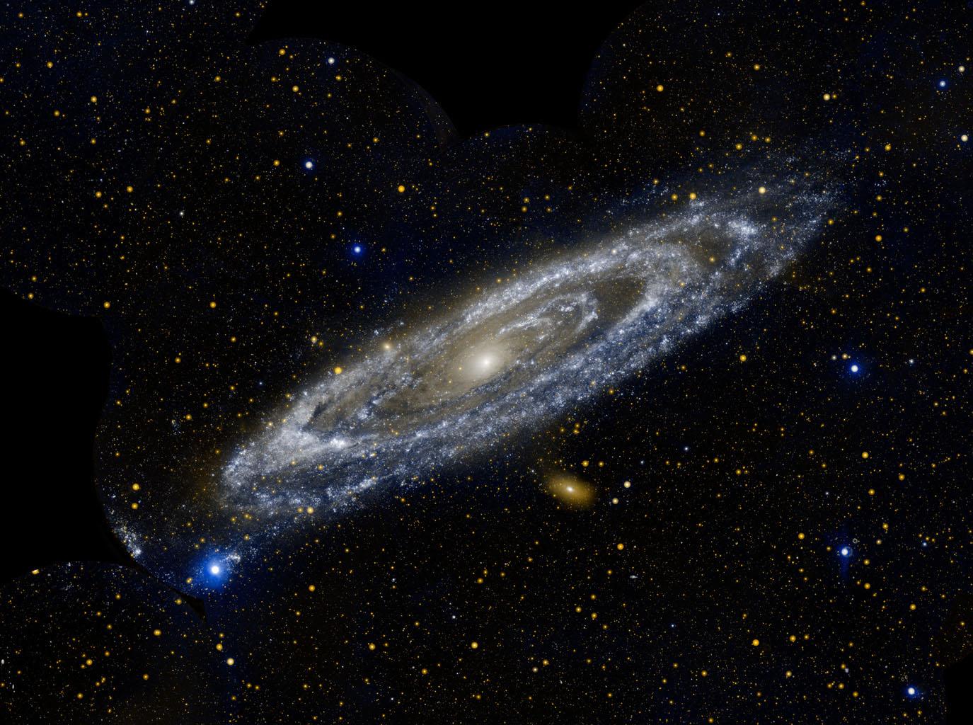 Галактика Андромеда снимок NASA