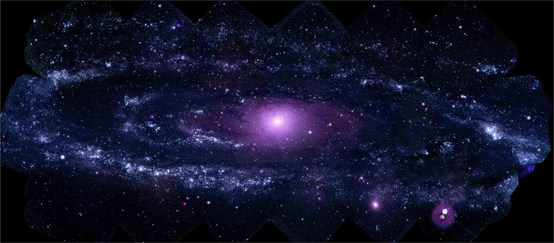 Галактика Андромеда в ультрафиолете